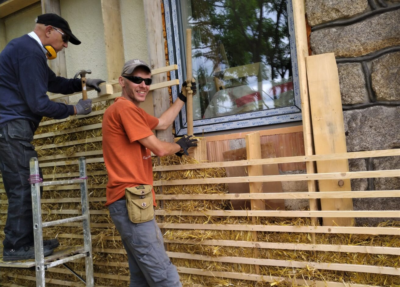 Straw Bale Training for Professionals